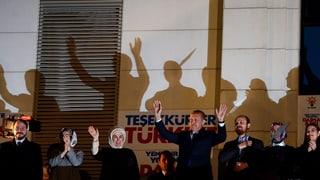 Türkische Wahlnacht: Erdogan siegt und droht
