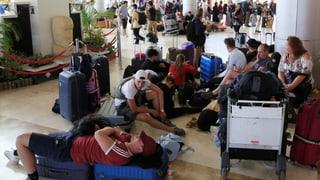 Touristen verlassen die Ferieninsel in Scharen