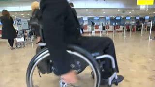 Rollstuhlfahrer-Schikane: Alleine fliegen verboten