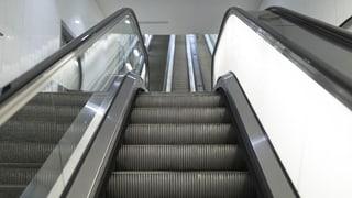 Wozu dienen eigentlich Rolltreppen-Bürsten? (Artikel enthält Audio)
