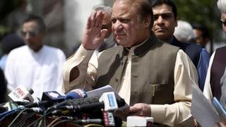 Regierungschef Nawaz Sharif ist vom Obersten Gericht seines Amtes enthoben worden und ist daraufhin zurückgetreten.