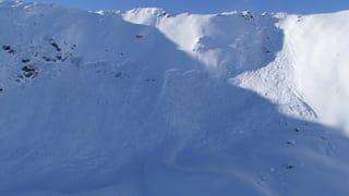 Skitourengänger stirbt in Lawine