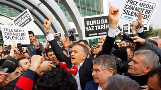 Razzien gegen Regierungsgegner in der Türkei