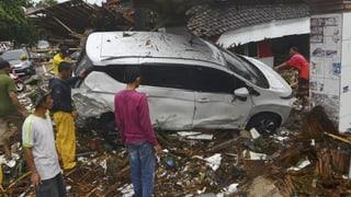 Passa 370 unfrendas suenter il tsunami en l'Indonesia