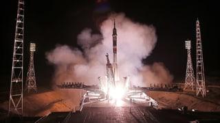Drei Raumfahrer in der ISS angekommen