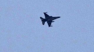 Nach dem Blutbad reagierte die ägyptische Armee mit voller Härte: Auf der Sinai-Halbinsel griffen Flieger «Terroristenverstecke» an.