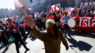 Gross-Demo gegen privates Pensionssystem in Chile
