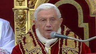 Papst spendet Segen «Urbi et Orbi»