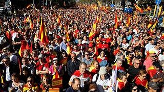 Grossdemo für Spaniens Einheit