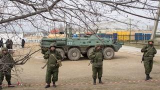 Krim-Krise: Pro-russische Truppen besetzen Flughafen