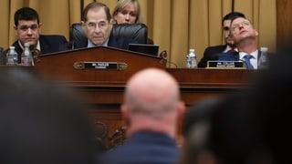 Demokraten sägen an Trumps Stuhl