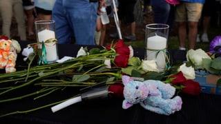 10 morts suenter sajettada en scola en il Texas