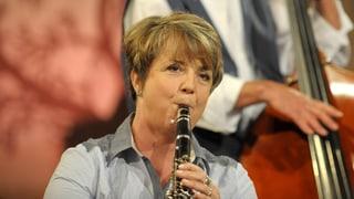 Video «Westschweizerin macht Innerschweizer Musik: Chantal Reusser» abspielen