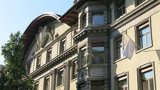 Luzerner Stadtrat verteidigt seinen Lohn