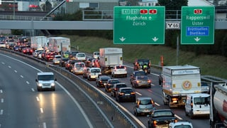 Der kleine Autobahn-Knigge: Testen Sie Ihr Wissen!