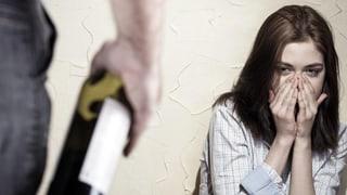 Alkoholabhängigkeit – Filme zeigen, wie Angehörige Hilfe finden