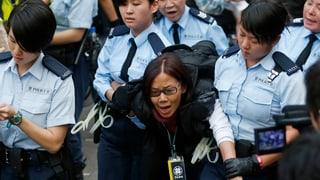 Zahlreiche Verhaftungen bei Barrikadenräumung in Hongkong