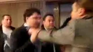 Parlamentarier prügelt ukrainischen TV-Chef aus dem Amt