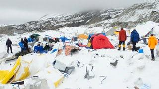 Video zeigt Lawine im Basislager am Mount Everest
