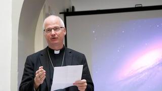Papa Francestg elegia svizzer en post central da la baselgia