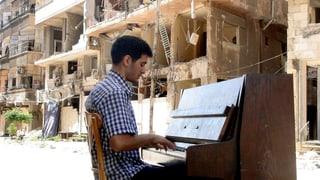 Video «Der Klavierspieler aus Jarmuk» abspielen