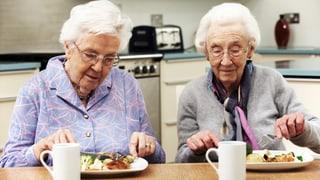 Video «Mangelernährung im Alter, Bettwanzen, Trampolinspringen» abspielen