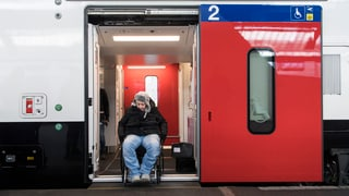 Eine behindertengerechte Rampe pro Zug muss reichen
