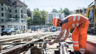 Gewerkschaften fordern zwei Prozent mehr Lohn für Büezer