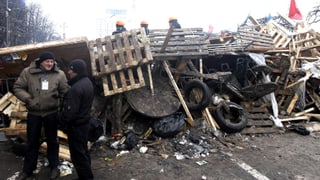 Taktikwechsel: Polizei in Kiew stoppt Angriff