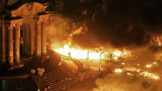 Der Maidan-Platz in Kiew brennt