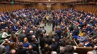 Britisches Parlament lehnt alle Brexit-Alternativen ab