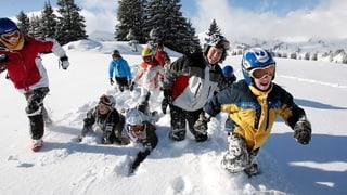 Skitage oder Schulreisen sollen Eltern nicht belasten