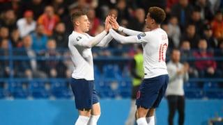 England und Frankreich leichtfüssig unterwegs