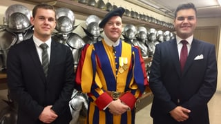 Trais da Trun tar la Guardia svizra papala