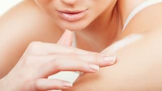 Körper-Peelings im Test: Noch immer zu viel Plastik