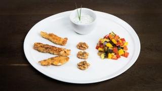 Fischknusperli mit Antipastigemüse und Smoked Rosemary Walnuts
