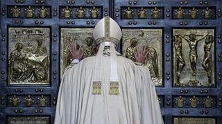 Franziskus läutet das Heilige Jahr ein