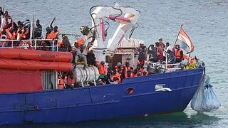 Nov conflict pervi da bastiment da fugitivs avant l'Italia