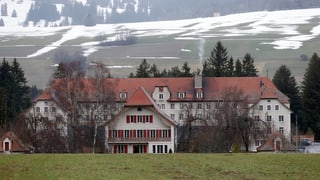 Ausschaffungs-Häftlinge statt jugendliche Straftäter in Prêles