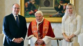 Fürst Albert und seine Charlène beim Papst