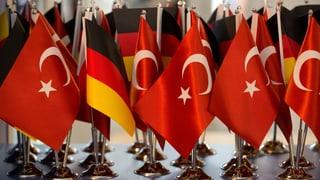 Die Anklage gegen Peter Steudtner sei völlig konstruiert, berichtet Journalistin Luise Sammann im ausführlichen Gespräch aus der Türkei.