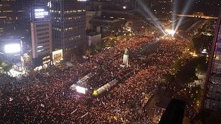 Protestas cunter presidenta en Corea dal sid