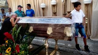 Ecuador – adina dapli morts suenter il terratrembel