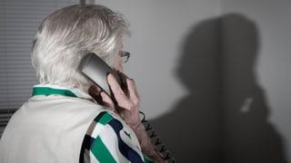 Polizei schult Senioren gegen Enkeltrickbetrüger und Co.