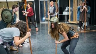 Jugendliche erobern das Luzerner Theater