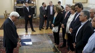 Griechische Regierung vereidigt – Banken öffnen wieder