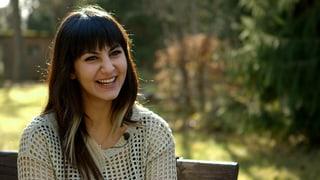 Video «Erste Liebe: Porträt - Zahraa (5/9)» abspielen