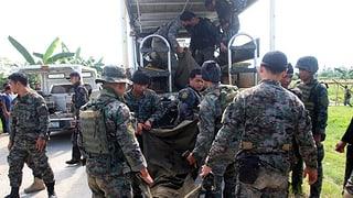 Sin las Filippinas moran policists tar conflict cun rebels