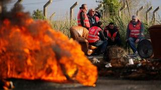Spiel mit dem Feuer – Sprit-Blockade legt Frankreich trocken