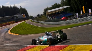 Mercedes-Duo in Belgien vorne